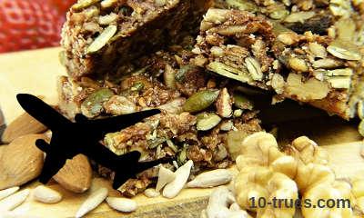 barre granola à manger dans un avion