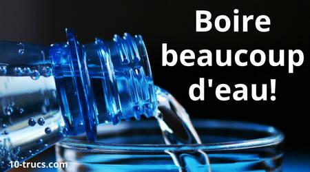 Boire beaucoup d'eau contre les ballonnements