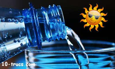 Boire beaucoup d'eau avec un coup de soleil