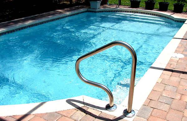 entretien piscine, truc et astuce piscine,