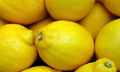 laver un carrelage avec du jus de citron