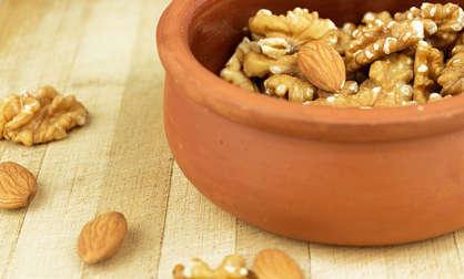 manger des noix pour des cheveux doux et épais