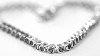 nettoyer bijoux en argent, faire briller bijoux en argent,