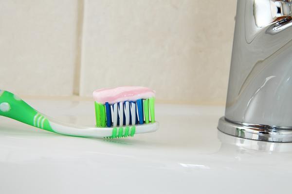 brosse à dent bijoux, astuce brosse à dent,