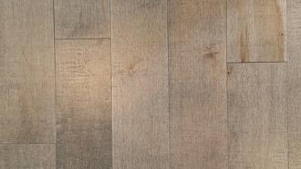 nettoyer un plancher de bois franc