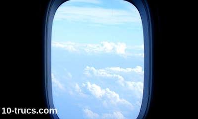 côté hublot pour bien dormir dans un avion