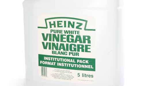 nettoyer une meuble en bois avec du vinaigre blanc