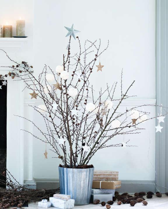 Décoration de Noël avec des branches