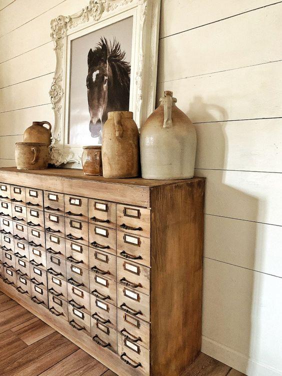 Transformer un meuble de métier en meuble d'appoint dans la maison