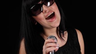 apprendre à chanter, devenir chanteuse, cours de chant,