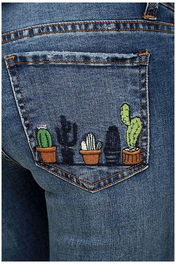 Broder des cactus sur la poche d'un jean