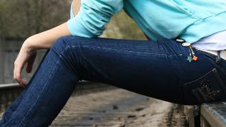 personnaliser un jean, personnaliser des jeans,
