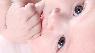 soulager poussée dentaire, dents bébé,