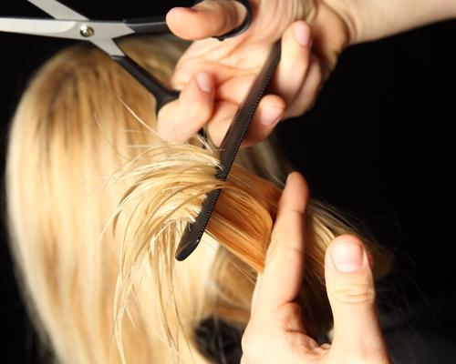 entretien pour adoucir les cheveux avec l'huile d'amande