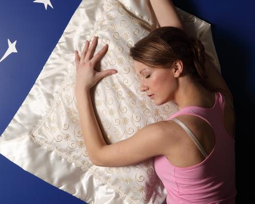 bien dormir, dormir dans le lit, relaxation,
