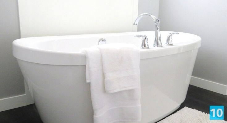 Comment nettoyer une baignoire en acrylique?