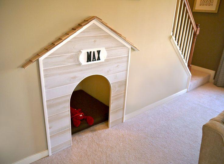 coin chien sous l'escalier, aménagement sous l'escalier,