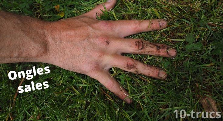 comment bien nettoyer ses ongles?