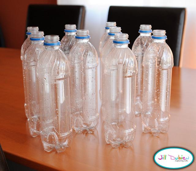 bouteilles de plastiques, bouteille jeu de bowling,