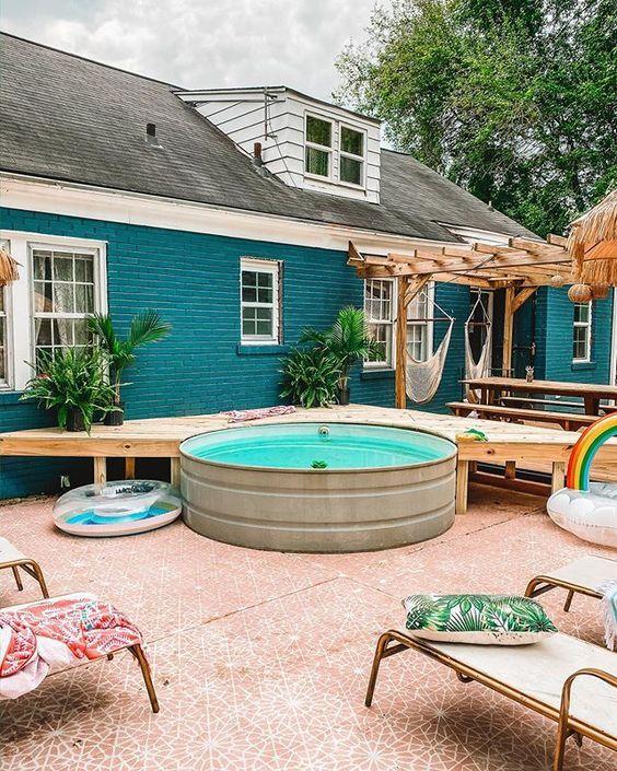 Fabriquer une piscine dans une cuve