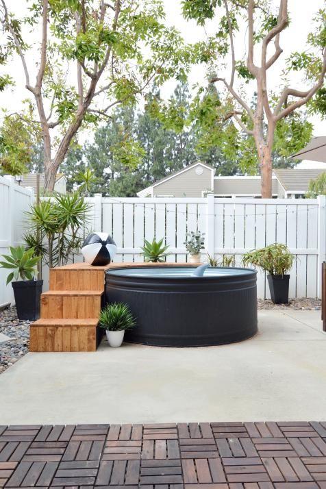 Un mini piscine dans une cuve en acier