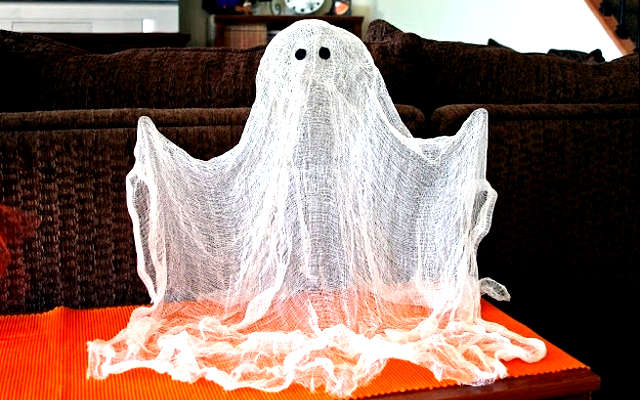 fantôme flottant, bricolage fantôme halloween,