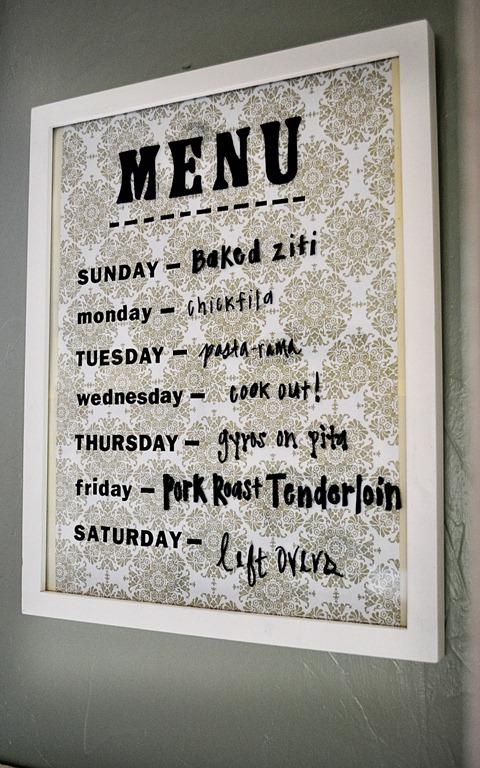 menu sur le mur, menu de la semaine,