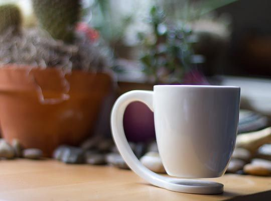tasse à café qui flotte, tasse flottante,