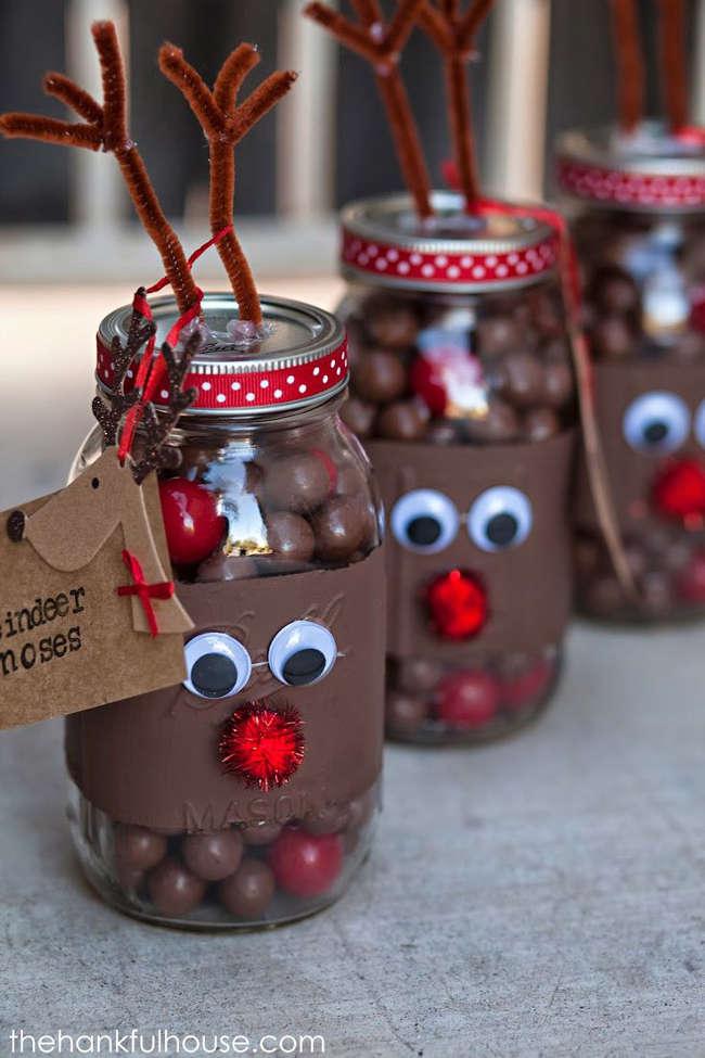 Bonbons et chocolat dans un pot mason