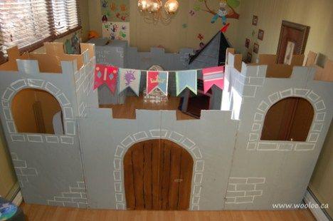 Fabriquer un château et forteresse en carton