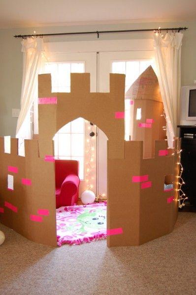 Fabriquer un château de princesse en carton