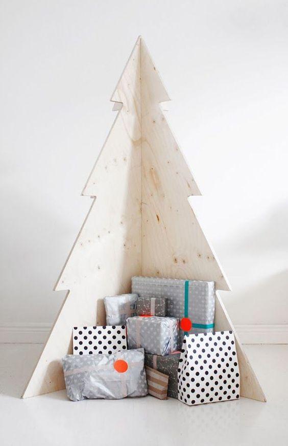 Fabriquer un sapin de Noël en contreplaqué