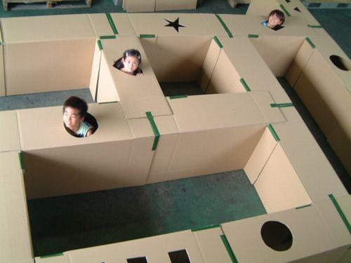 fabriquer un labyrinthe avec des boites de carton