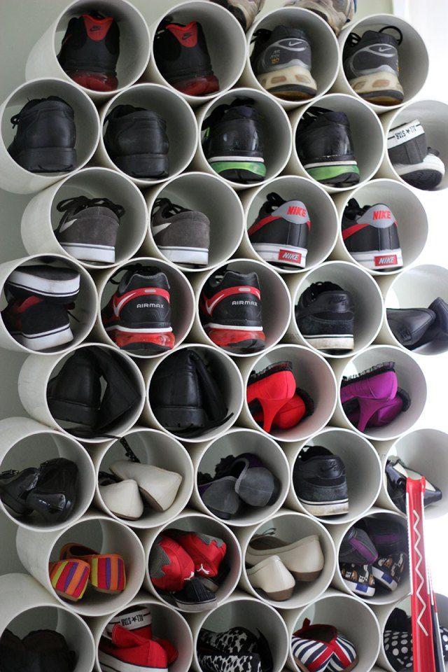 Rangement pour chaussures avec des tuyaux de PVC