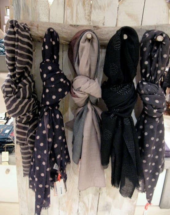 fabriquer un support en bois pour les écharpes et foulards