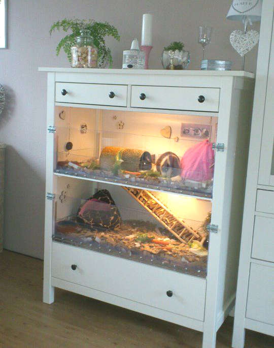 fabriquer une maison pour hamster dans une commode