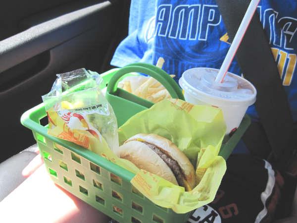 comment manger dans la voiture