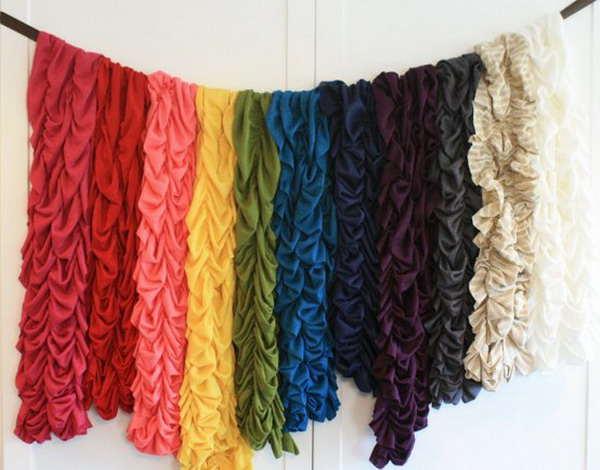 fixer une corde au mur pour les écharpes et foulards