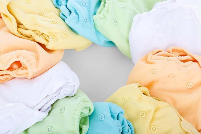enlever une tache de salive de bébé