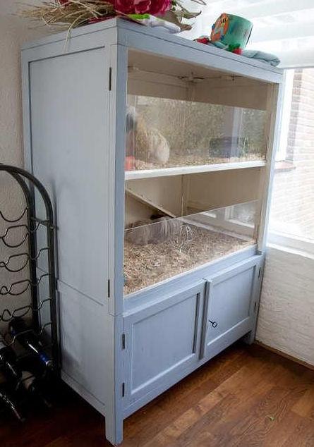 Fabriquer une maison pour hamster avec un meuble