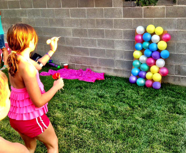 jeu de fléchette et balloune pour jouer dehors