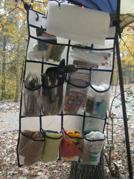 Rangement et organisation en camping, tips hacks