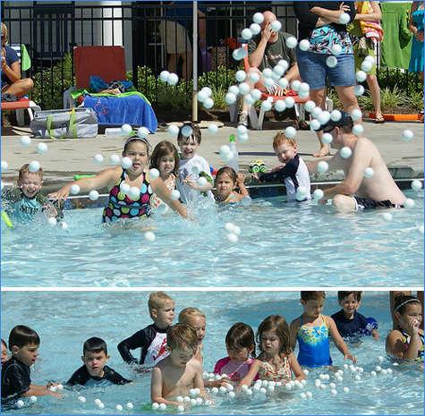 Ping pong dans la piscine