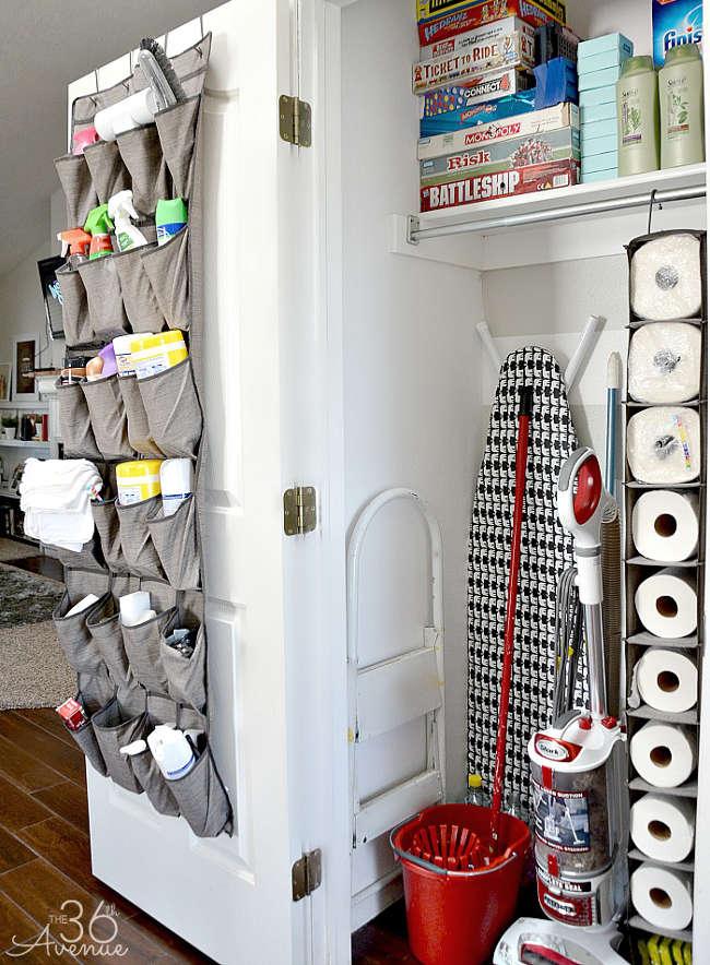 ranger les produits ménagers dans le placard