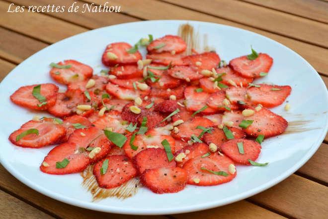 recette de carpaccio de fraises et basilic frais