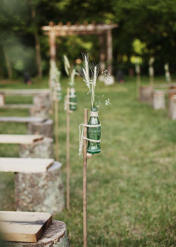 Idée pour décorer une allée de mariage avec des trucs recyclés