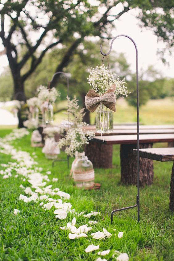 déco rustic-chic pour une allée de mariage