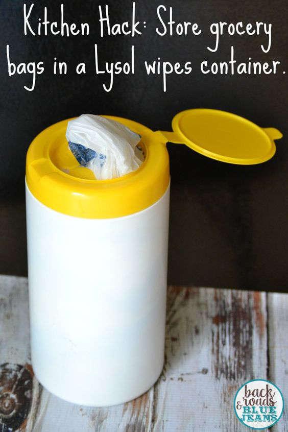 Contenant pour les sacs en plastiques