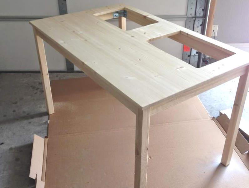 préparer la table à LEGO