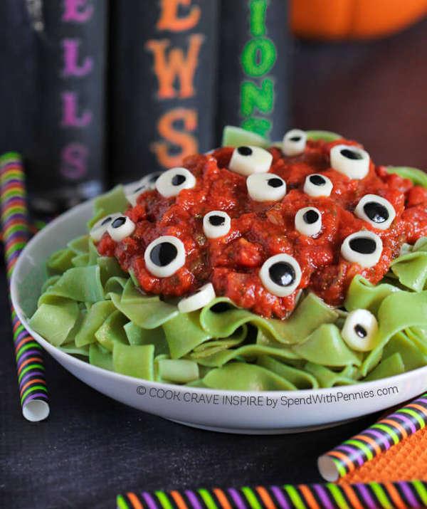 Recette de pâtes vertes pour l'Halloween